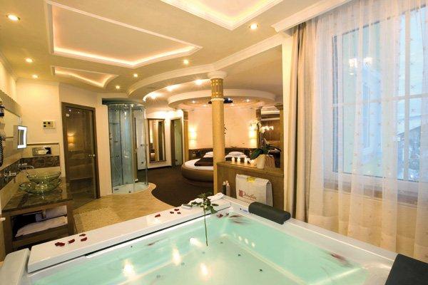 Spa hotel dolce avita a andalo in trentino alto adige - Hotel piscina in camera ...