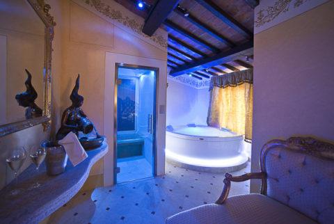 Ponte dell'Immacolata in Suite Spa a Cortona - 2 notti