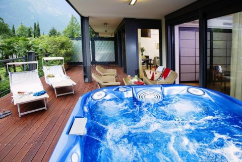 TAKE A BREAK IN JACUZZI