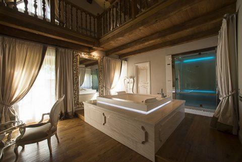 Una Notte in Suite Spa con un lussuoso centro benessere privato in camera